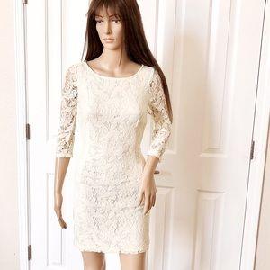 Zara beautiful off white crotchet dress. Size S